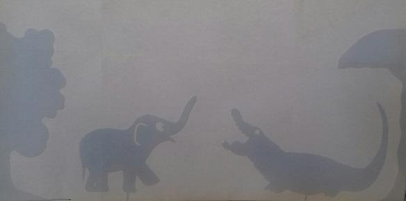 éléphanteau et caiman, poésie en ombres chinoises, théâtre d`ombres, silhouettes, marionnettes, free